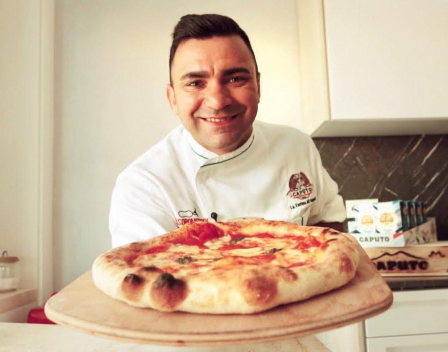 Ricetta Impasto Pizza Napoletana Forno Elettrico.La Pizza Napoletana Fatta In Casa La Ricetta Di Davide Civitiello